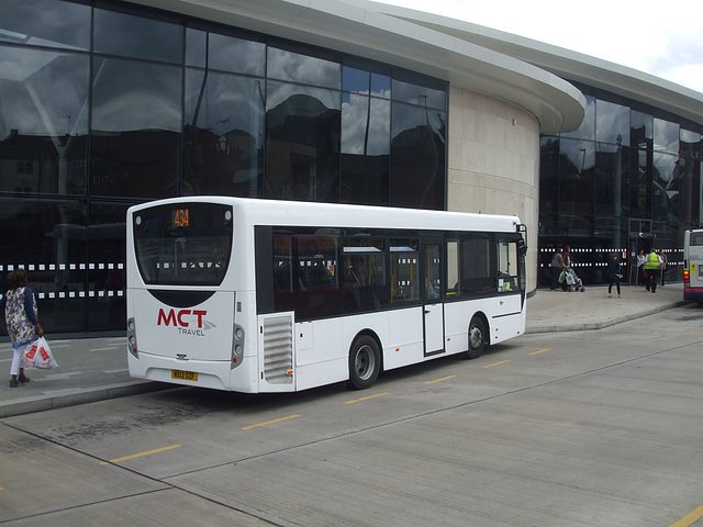 DSCF0505 MCT Travel MX12 DZF