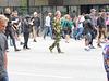 Camouflage im Anzug