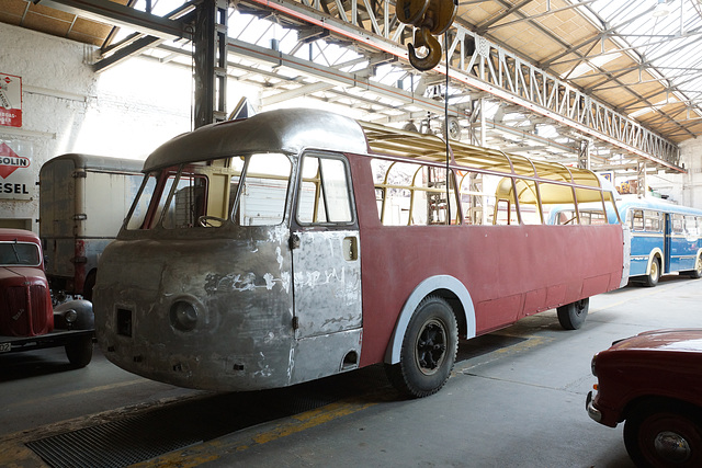 NWF Bus Restaurierung Museum Halle 31 Willich 024