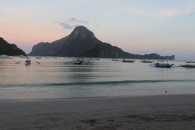 Sunrise at El Nido