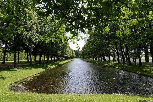 im Schlossgarten Schwerin (© Buelipix)