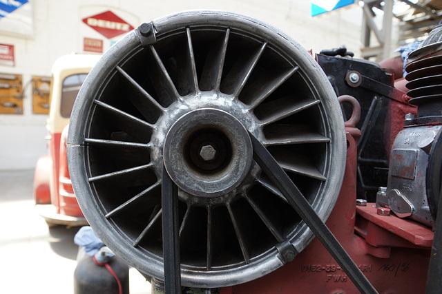 NWF Bus Restaurierung Museum Halle 31 Willich 031