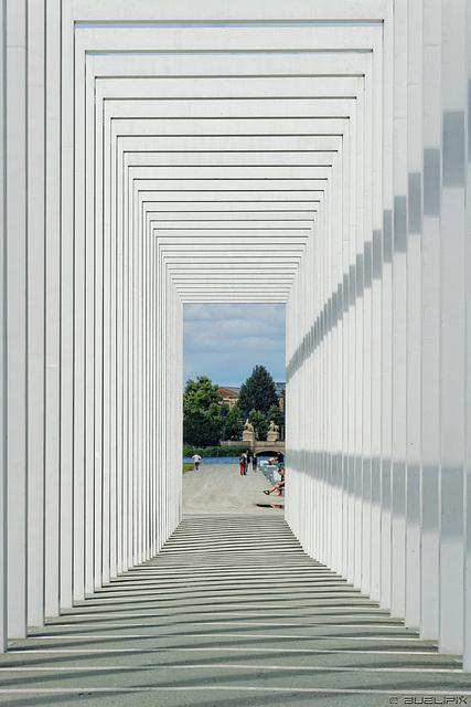 Brennweitenspielerei in Schwerin (© Buelipix)