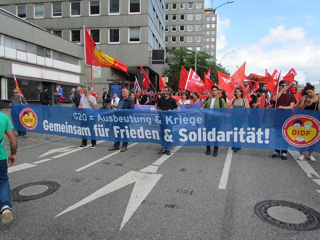 Für Frieden & Solidarität