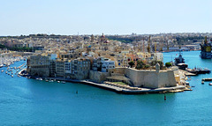 MT - Valetta - View towards Senglea