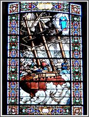 Vitrail de l'église de Plouer sur Rance (22):Prière des marins du Stella Maris à la Sainte-Vierge