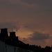 Sonnenuntergang mit Gewitterwolken mit Ufo