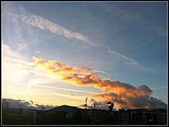 El sol y las nubes.