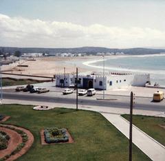 Soif maghrébine - Le bar de la plage / The beach bar