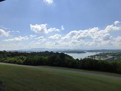 Douglas Lake mit Staudamm