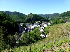 DE - Altenahr - Blick aus den Weinbergen