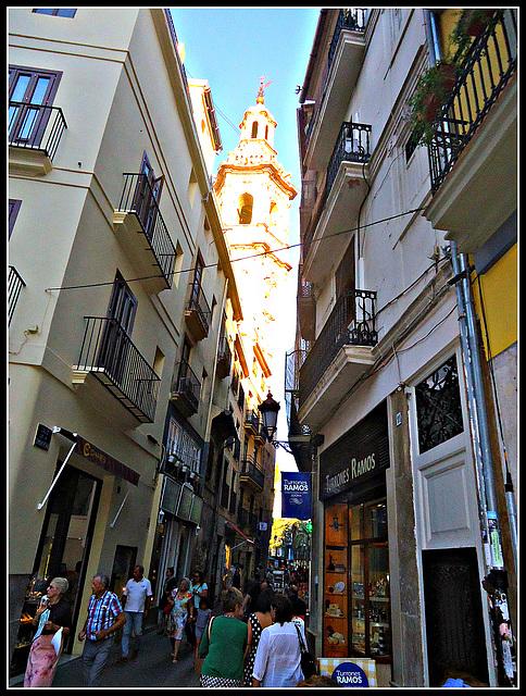 Valencia: calle Sombrerería.