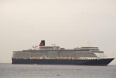FREJUS; Passage du Queen Elisabeth 02