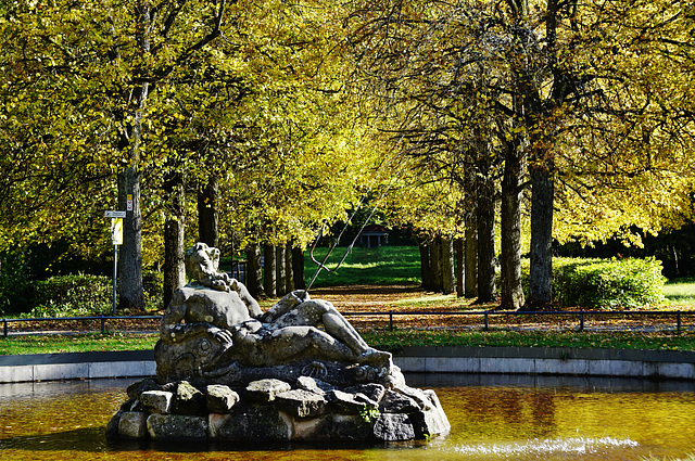 Im Schlosspark - In the castle park - 2 PiP