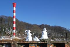 Schneemänner am Leuchtturm (PiP)