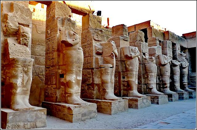 LUXOR : i giganti di Karnak