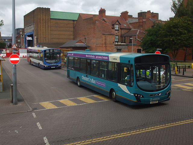 DSCF9701 Arriva CX12 DTF and Stagecoach YJ09 FWF