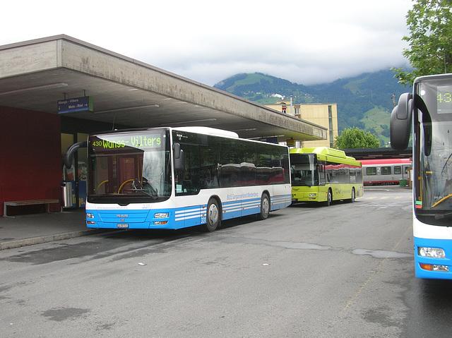 DSCN1985 Buses at Sargans - 13 Jun 2008