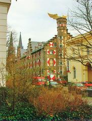 Köln, Zeughaus mit geflügeltem Auto