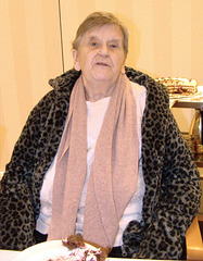 Oma an ihrem 80. Geburtstag