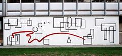 mur peint sur le bâtiment mécanique des fluides