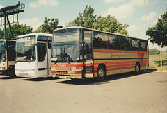 Leicester Citycoach (Leicester Citybus) 542 GRT at RAF Mildenhall – 27 May 1995 (267-21A)