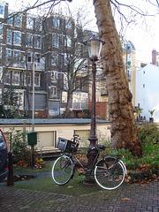 Bike & floating house / Vélo et maison flottante