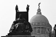The Queen & Memorial