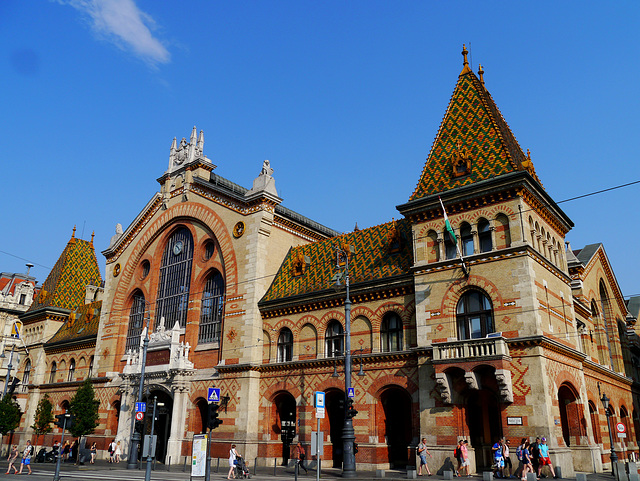 Große Markthalle in Budapest / Great Market Hall at Budapest