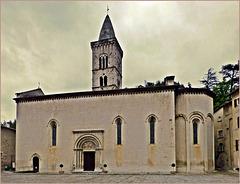 Stiftskirche Santa Maria, Visso, MC, Italia