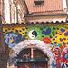 Pordo en la muro de John Lennon en Prago-Malá Strana