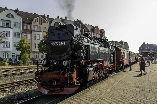 Zug mit 99 7243-1 der HSB steht zur Abfahrt bereit nach Drei Annen Hohne