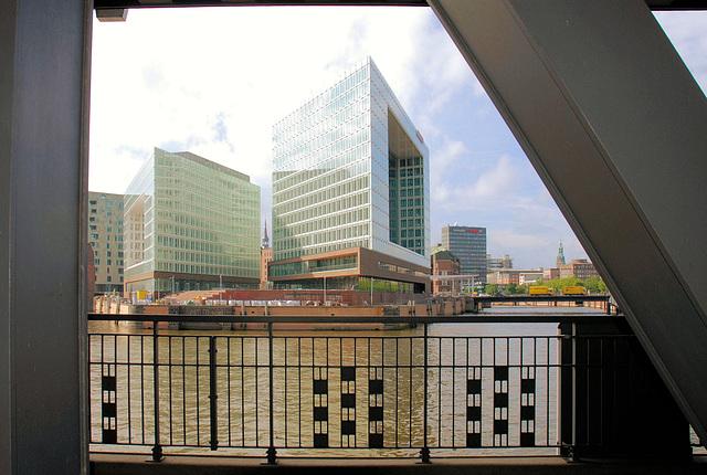 Die Oberhafen-Brücke in Hamburg - HFF