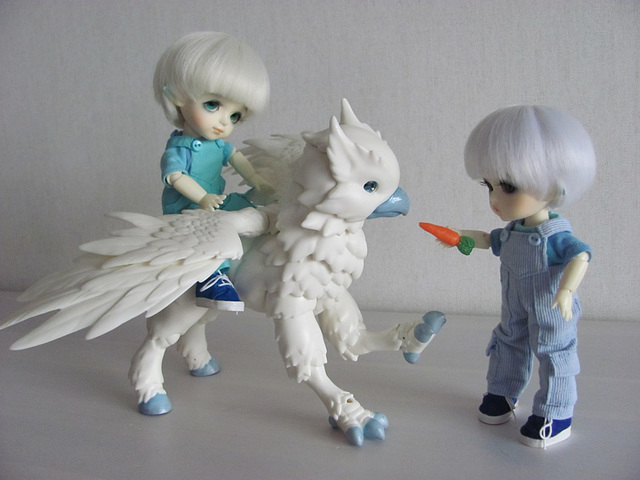 Snow elves and the hippogriff