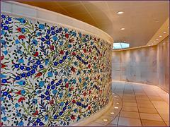 AbuDhabi : anche nei fondi, sotto la moskea, una certa eleganza si nota - servizi igienici molto accoglienti