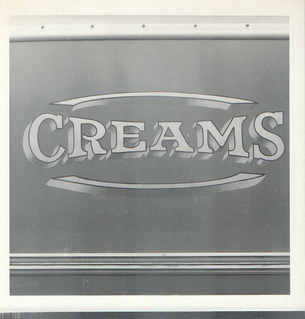 Creams fleetname on LDK 382 (Photo by Eric Fielding)
