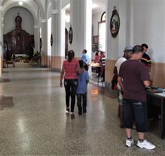 Péché de voyeurisme en église / Voyeurism sin in a cuban church