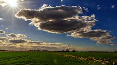 Wolken ziehen ins Land