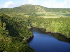 Lagoa Comprida (Long Lagoon).