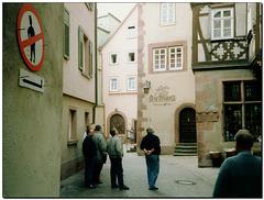 """Für Herren mit Hut """"Parken"""" verboten ....."""