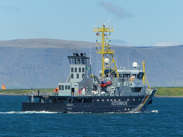 Seeadler leaving Reykjavik (2) - 19 June 2017