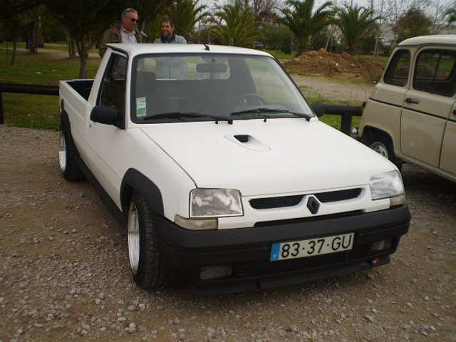 Renault Express pickup (1996).