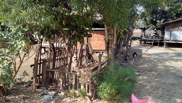 Près de Phoutthavong Market (1)
