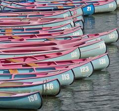 Kanus unsortiert- am Osterbek Kanal