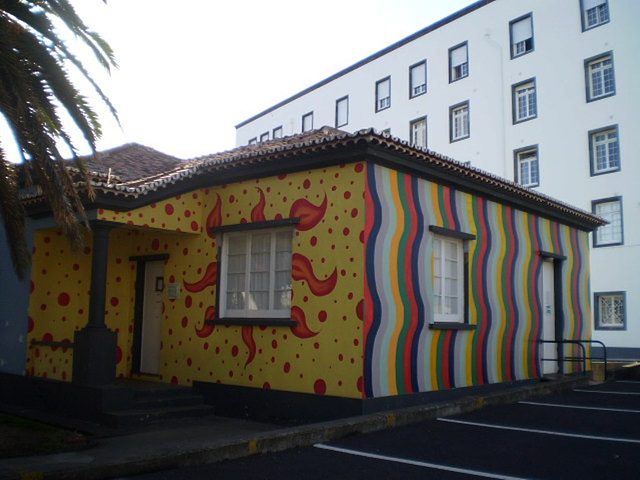 Painting on a house of social assistance.