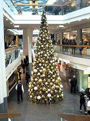 Lichterbaum im Kaufhaus
