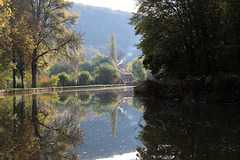 Reflets sur le canal de Bourgogne
