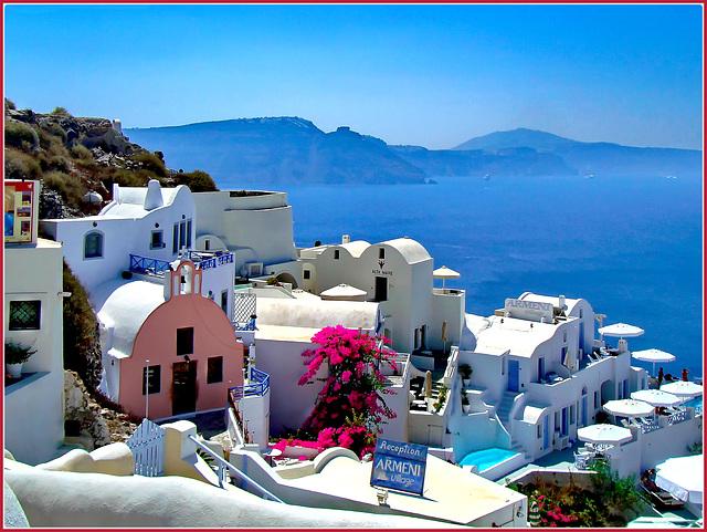 Santorini : 8 ombrelloni a Oia