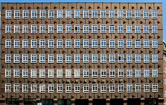 Westfassade des Sprinkenhofs