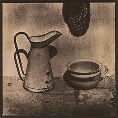 Jug and chamber pot